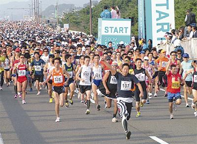 湘南を走る2万人ランナー