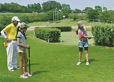 パークゴルフで汗流す