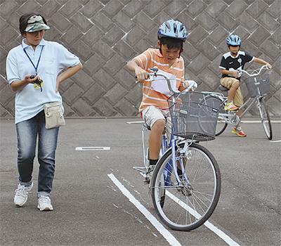 自転車特訓に大汗