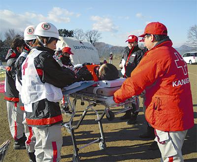 赤十字が資金募集