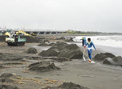 サーファーたちが海を再生