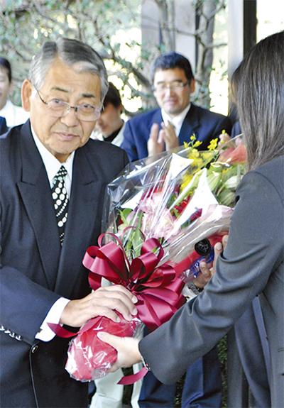 杉山中井町長が初登庁