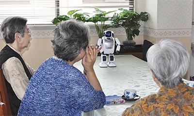 人型ロボット「パルロ」導入