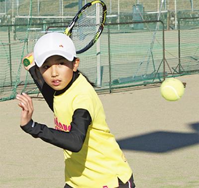 テニス始めませんか