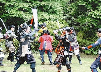 城山公園で甲冑劇