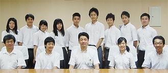 加藤市長と和太鼓部のメンバー