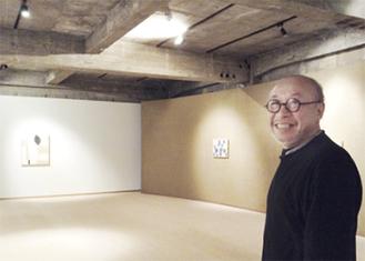 高橋社長と会場の箱根菜の花展示室