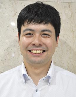 麻生知宏さん(26)大磯中→横浜高→玉川大→現在はさがみ信用金庫に勤務。会社のチームで野球を続ける。