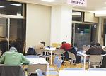 夜は学生の自習スペースのような空間に