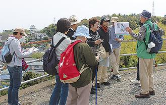 城山をあがり小田原城を望む