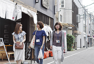 かまぼこ通りを巡ったグループ