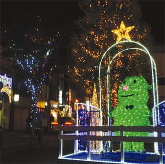 錦通りは11月27日(日)の午後5時から点灯開始(写真は昨年)