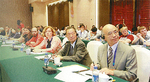 安陽市での国際漢字会議に招待を受ける(右から)三輪研究所長、水野理事長・学校長