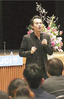 熱を込めて講演した安藤竜二氏