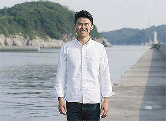 秋吉さん(本人提供写真/撮影場所は香川県男木島)
