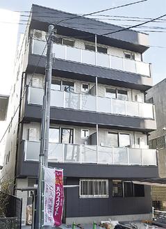 総戸数13戸、4階建ての新築物件