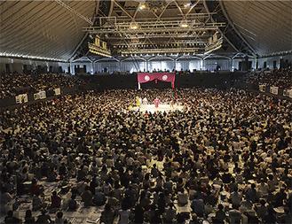 昨年は小田原アリーナに約6000人が詰めかけた