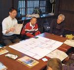 良い点、改善点を発表しあい共有する。左端が平井太郎さん