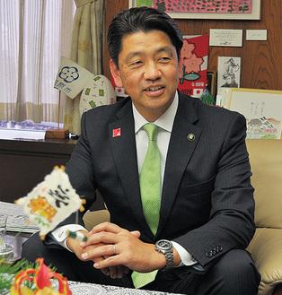 加藤憲一市長