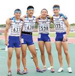 1走小田佳喜さん、3走阿部隆佑さんの2年生コンビは「楽しく走れたが悔しい」「来年も絶対決勝に」。2走山本主将、4走クレイさんら3年生の思いを受け継いだ