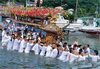 勝俣良方さんの最優秀賞受賞作品「海の祭典」