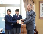 加藤さん(中央)と田中さん(左)