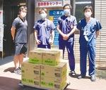 松田会長(左)と亀高外科部長(左から2人目)