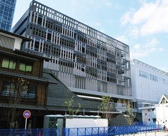 ラスカ2階の連絡通路とつながり、ミナカ小田原とも接続予定