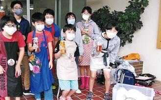 回収にあたった児童たち(提供・小田原衛生グループ)