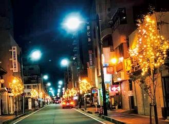 ライトアップされた銀座通り(商店会提供)