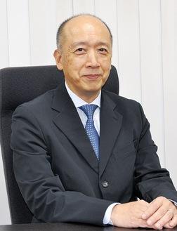 インタビューに答える渡邊会長