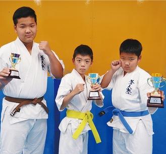 好成績を残した(左から)高原契斗さん、木田琥太朗君、高原浩久君