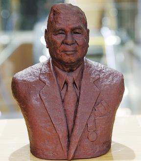3Dプリンターで製作された星崎定五郎翁像