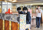 The YouTubers playing a street piano in Odawara station