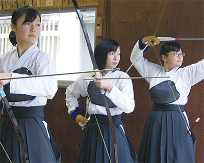 弓道女子いざ全国へ