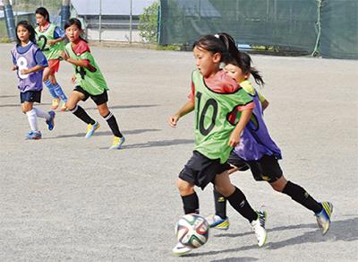 広がる女子サッカー
