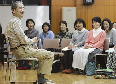 佐藤眞氏、合唱団に語る