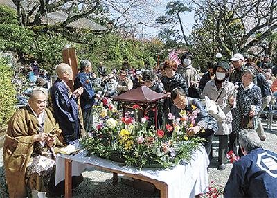 釈尊の生誕祝う花祭り&お花見会