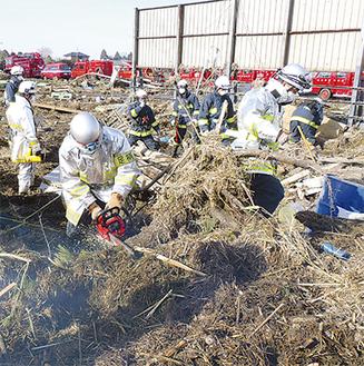 現地で救援活動に取り組む応援部隊