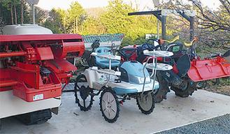 トラクターなどの農業機械も揃っている