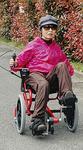 リハビリに効果的な「足こぎ車椅子」