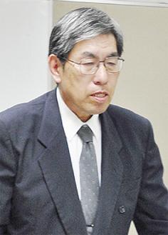 就任の挨拶に立つ瀬戸新会長