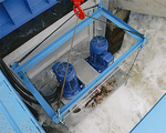 集水板を開くと勢い良く発電機が回りだした