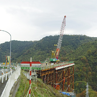 国道246号寄入口から約3Km先にある施工ヤード=松田町寄(県道710号寄方面より撮影)
