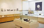 資料館の熱がこもった展示品の数々=南足柄市郷土資料館展示室
