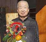 中家村自治会長の小川周作さん(72)「毎年恒例の行事です。武藤さんに感謝ですね」