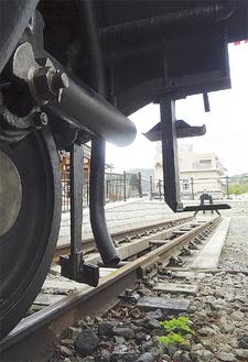 D52の車輪と線路=山北鉄道公園