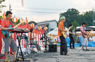 職員が音楽で地域貢献
