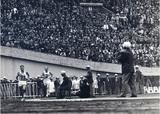 マラソン円谷選手のゴールを見守る渋谷先生
