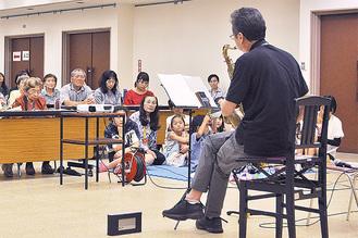以前に行った音楽をテーマとした認知症講演会の模様。松田町は認知症対策として多方面から取り組んでおり、今回も注目される